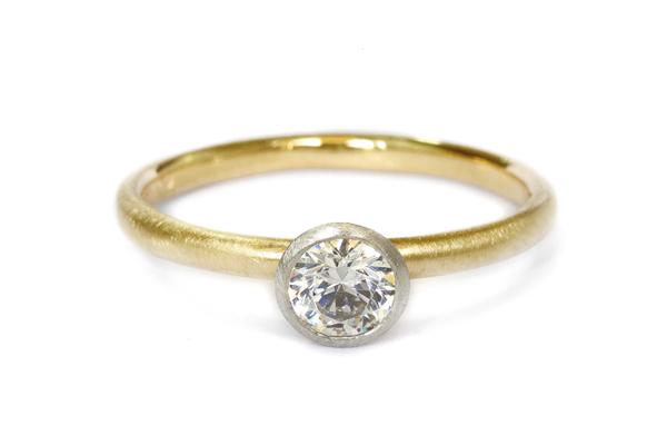 エンゲージリング(婚約指輪)her033