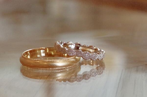 思い思いのデザインを追求した結婚指輪