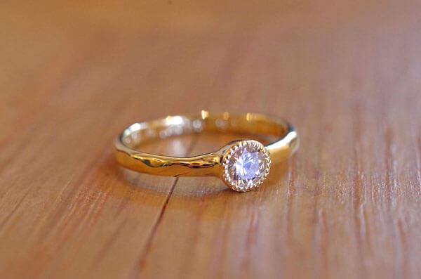 カタチを変えて生まれ変わった婚約指輪