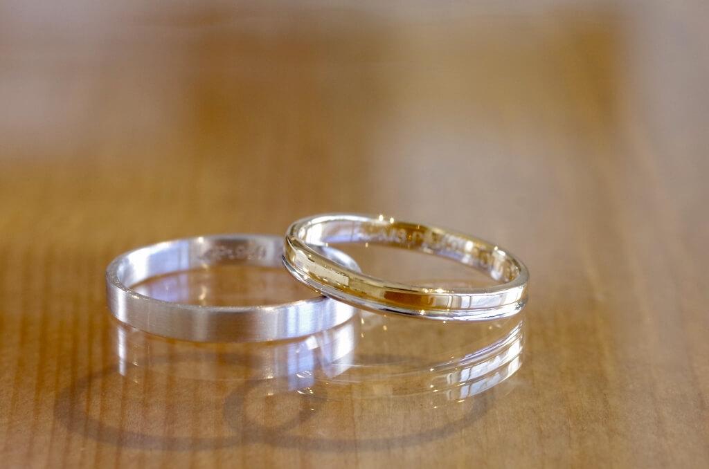 細さと薄さを追求したコンビの結婚指輪