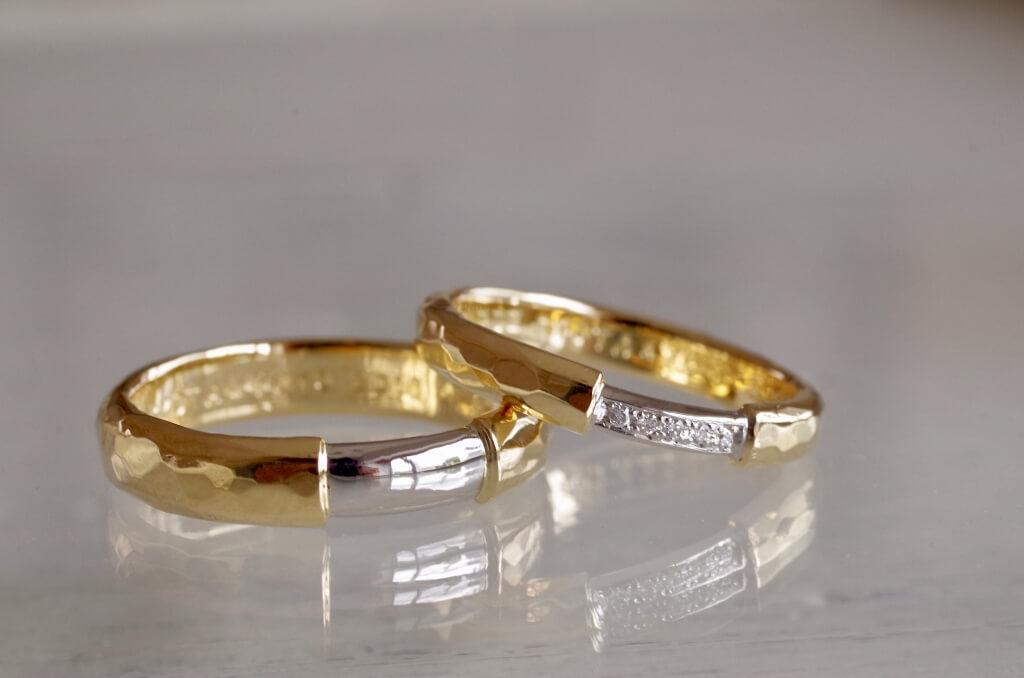 太さを変えたコンビの結婚指輪