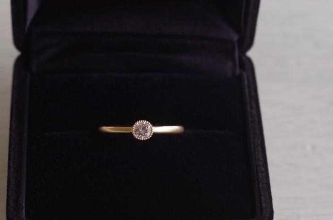 ミル留めの婚約指輪