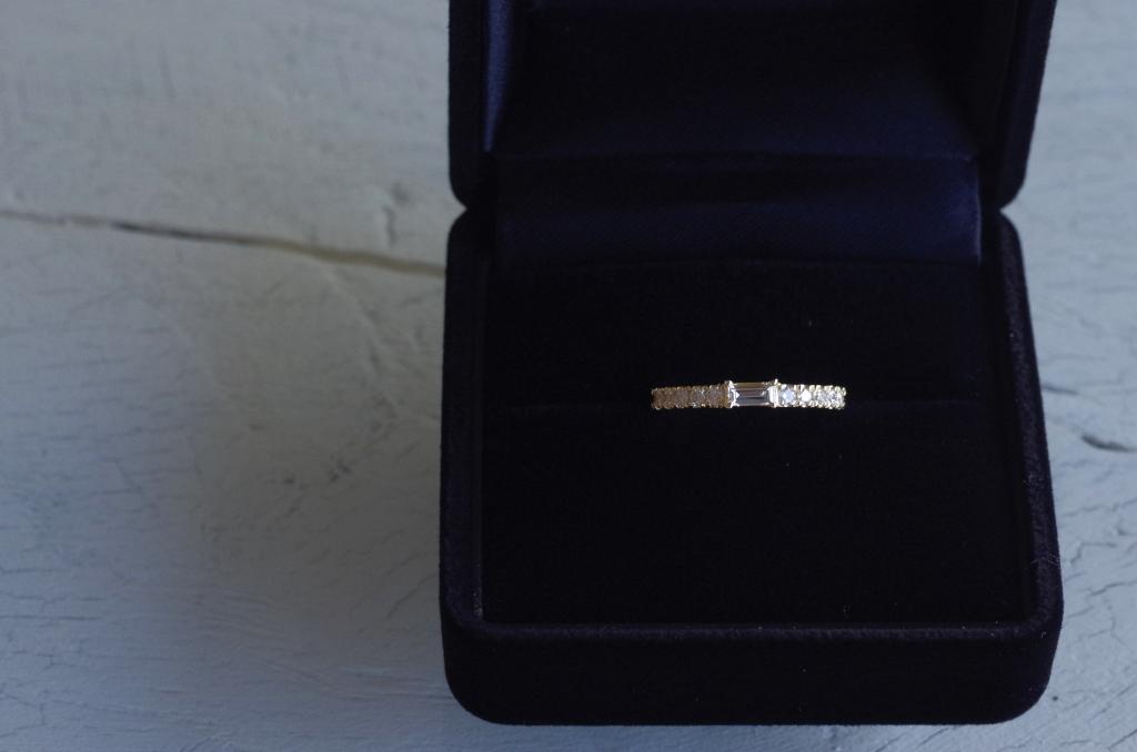 バゲットカットダイヤの婚約指輪