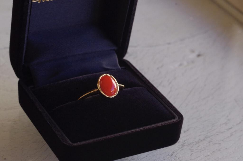 思い出の赤珊瑚を使った指輪