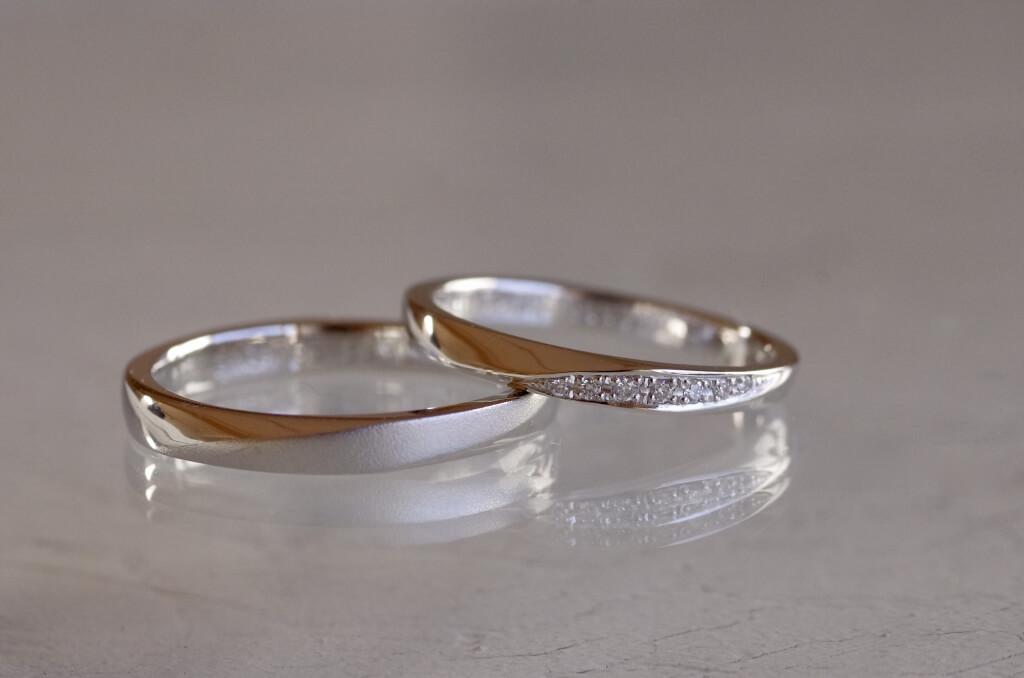 2箇所捻りを入れた結婚指輪