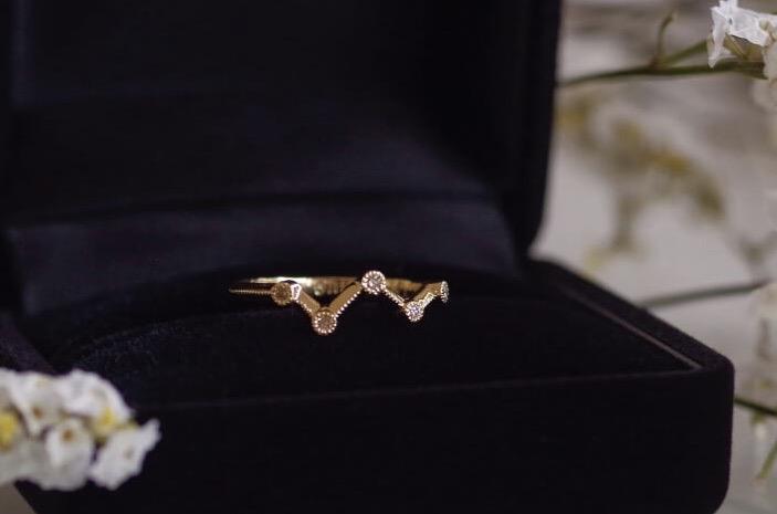5つのダイヤの結婚5周年のリング
