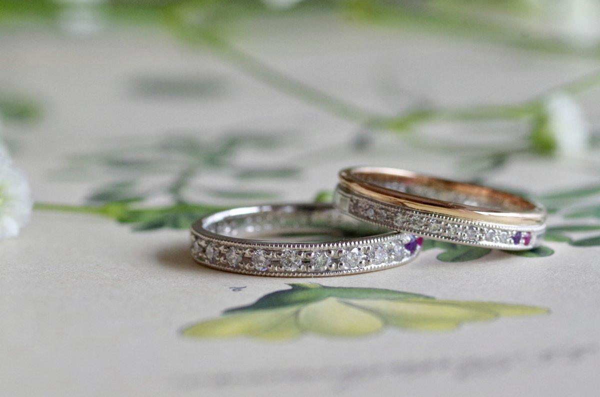 ダイヤモンドとお二人の誕生石を入れた結婚指輪