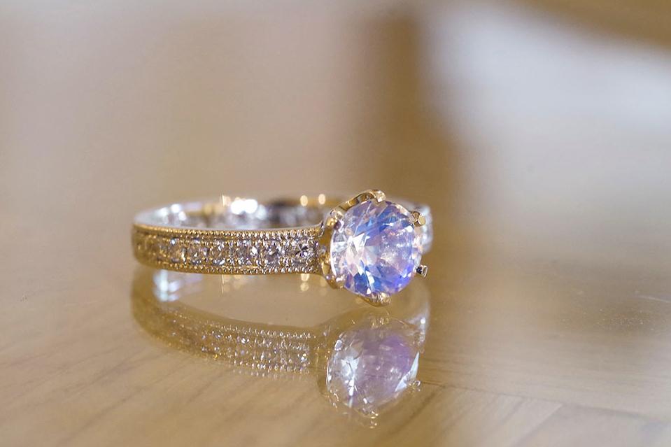 婚約指輪 6月 誕生石 ムーンストーン