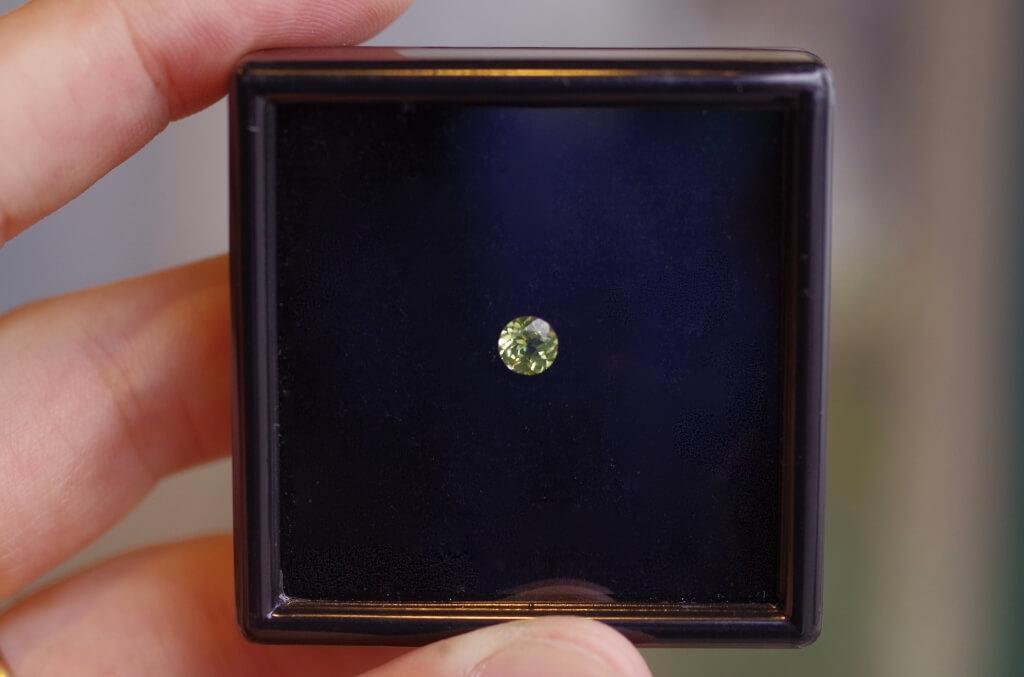 婚約指輪 オーダーメイド ペリドット 8月 誕生石