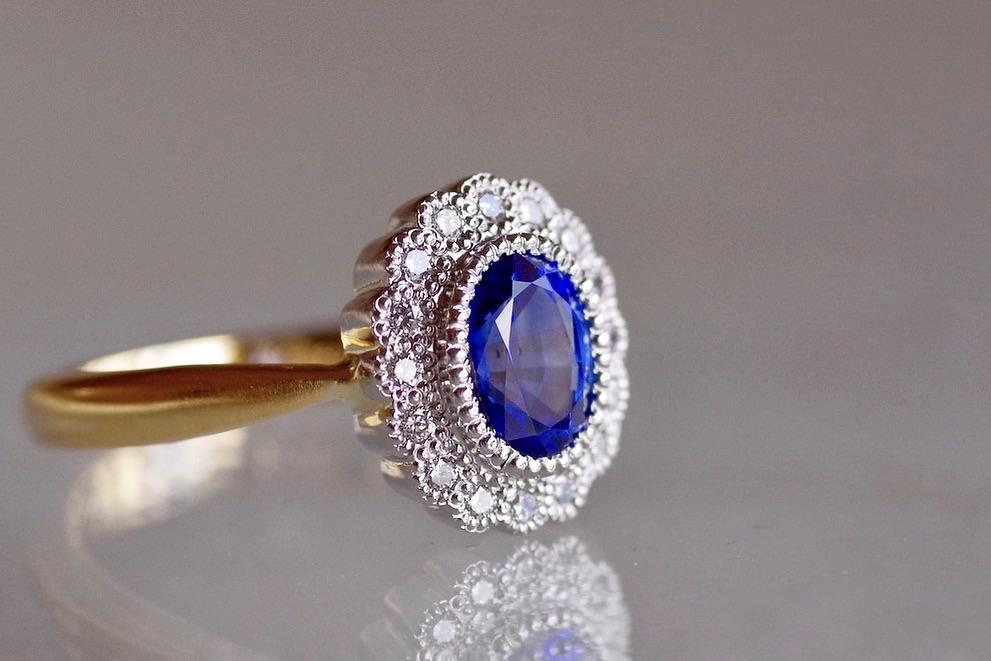 婚約指輪 オーダーメイド サファイアのエンゲージリング