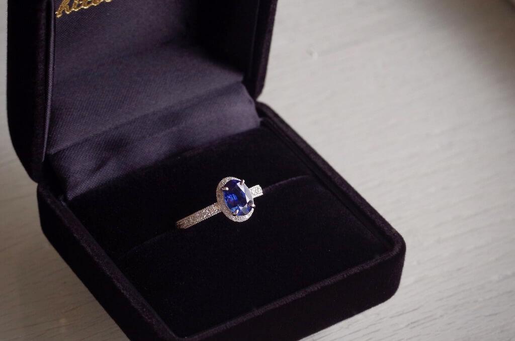 婚約指輪 オーダーメイド サファイアの婚約指輪
