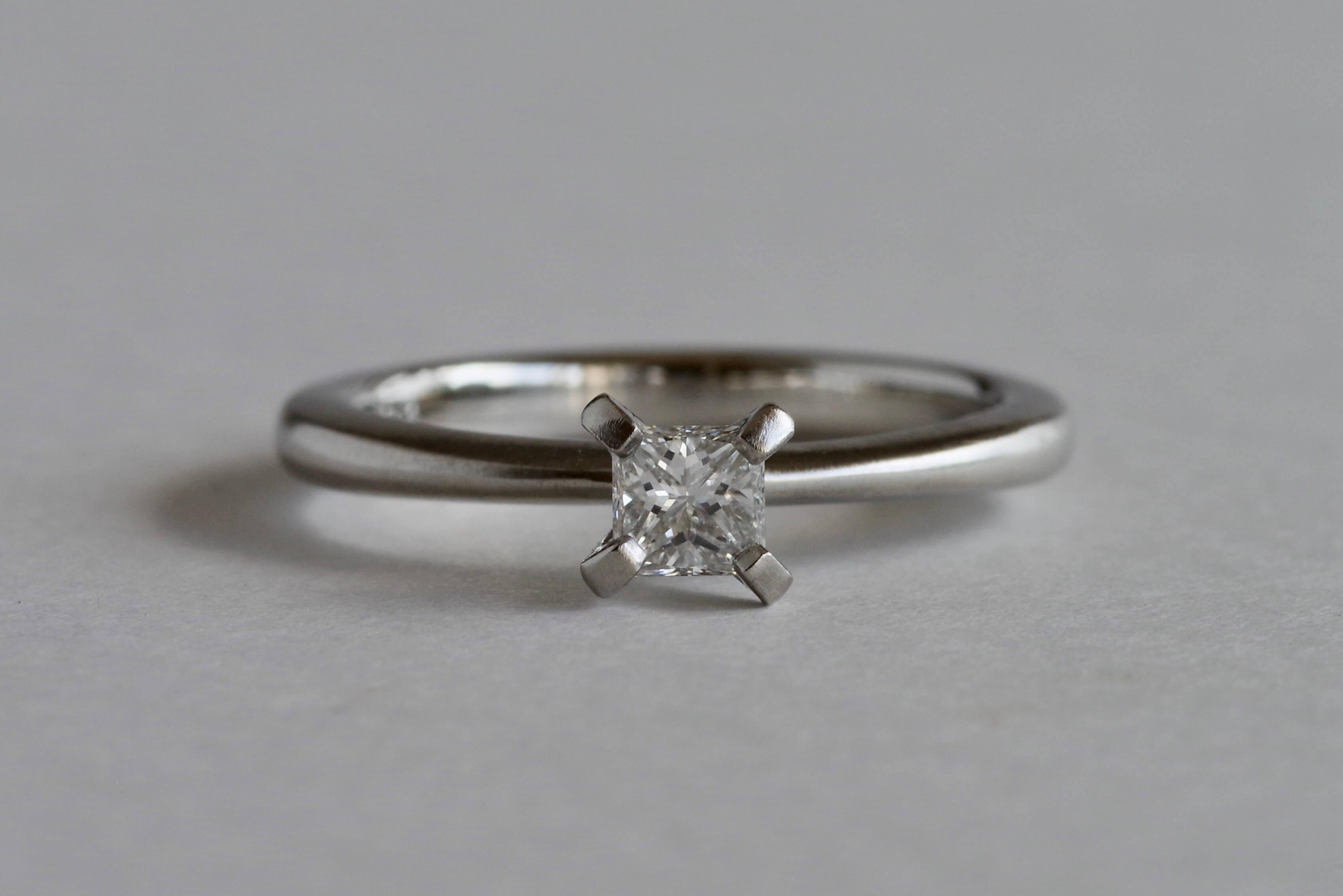 婚約指輪  オーダーメイド スクエアカットダイヤ
