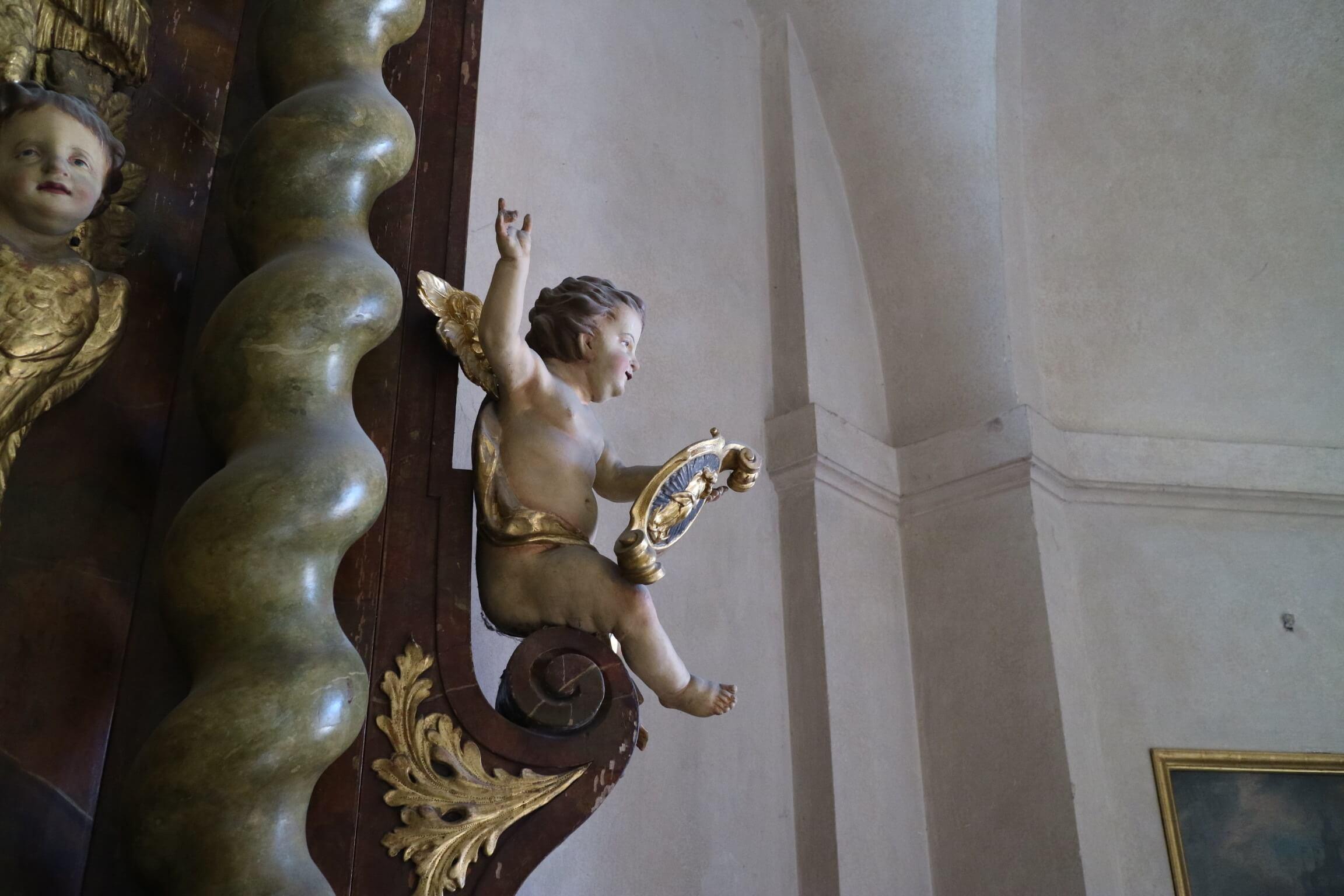 誕生石の由来 教会 プラハ