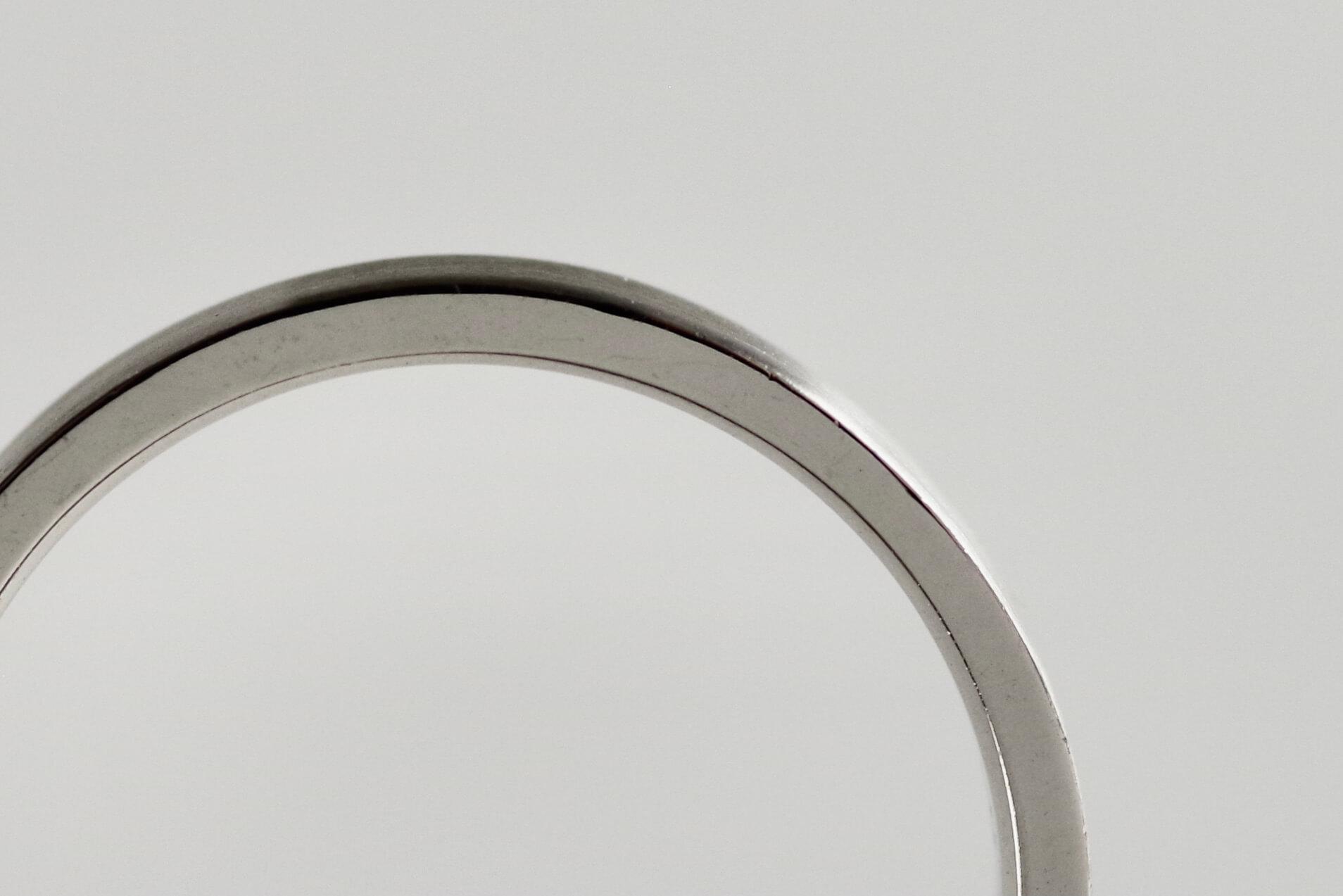 シンプル 結婚指輪 比較 甲丸 平打ち 平甲丸 平打ちの側面