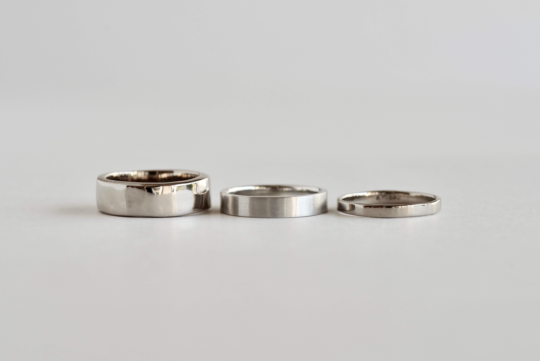 シンプル 結婚指輪 平打ち 太さ 細さ 比較