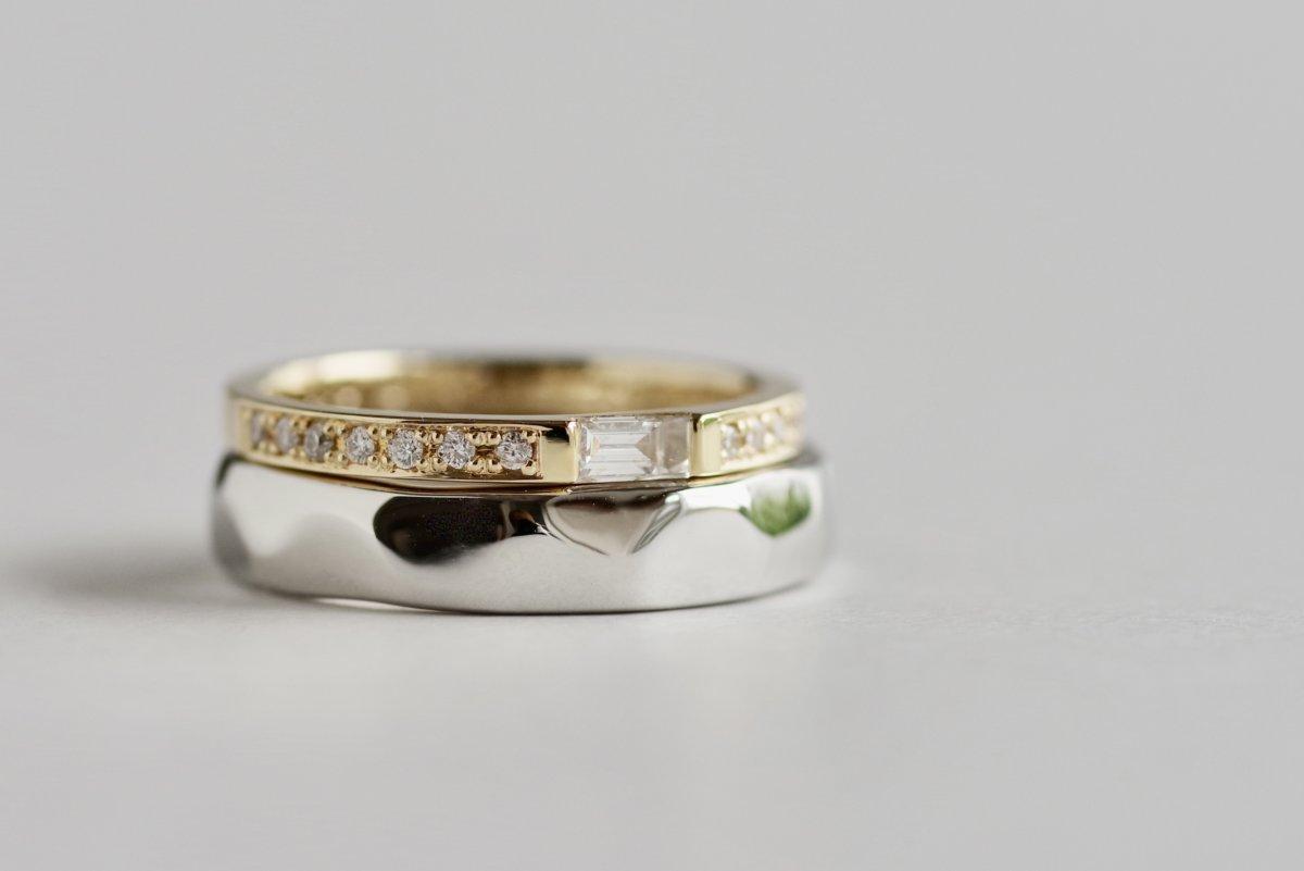 細長いバゲットカットダイヤの結婚指輪